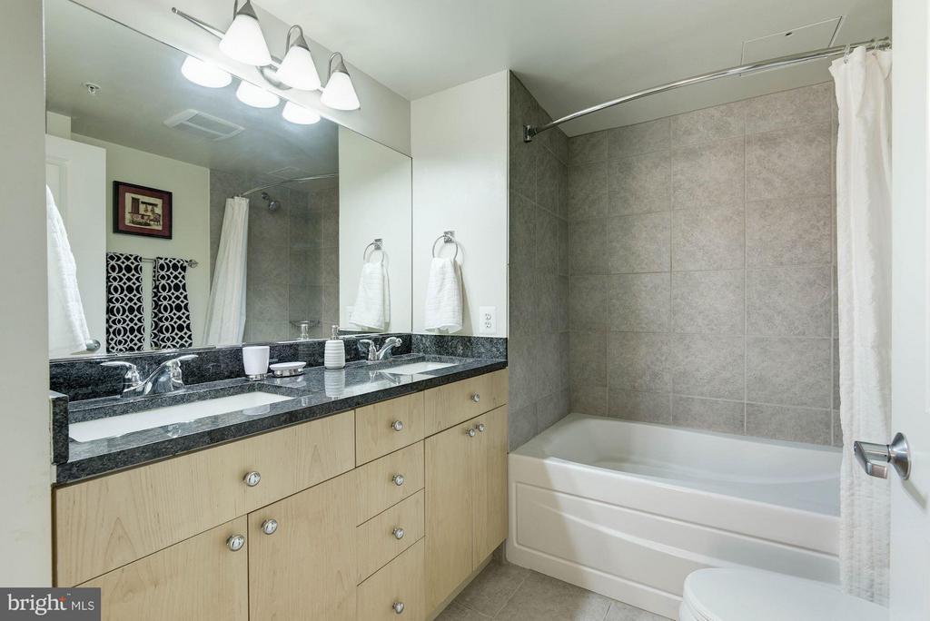 Bath (Master) - 820 POLLARD ST N #311, ARLINGTON