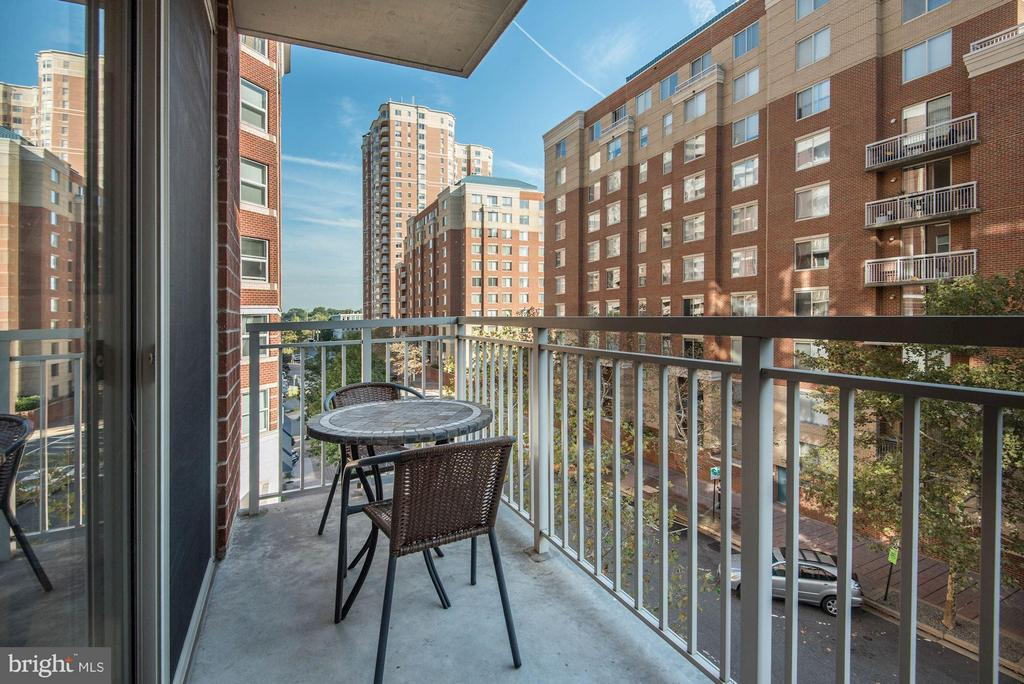 Balcony with Views - 820 POLLARD ST N #311, ARLINGTON