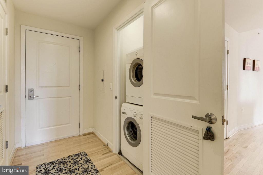 Washer/Dryer within Unit - 820 POLLARD ST N #311, ARLINGTON