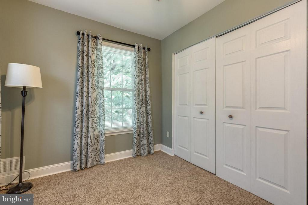 Second Bedroom upstairs - 11841 DUNLOP CT, RESTON