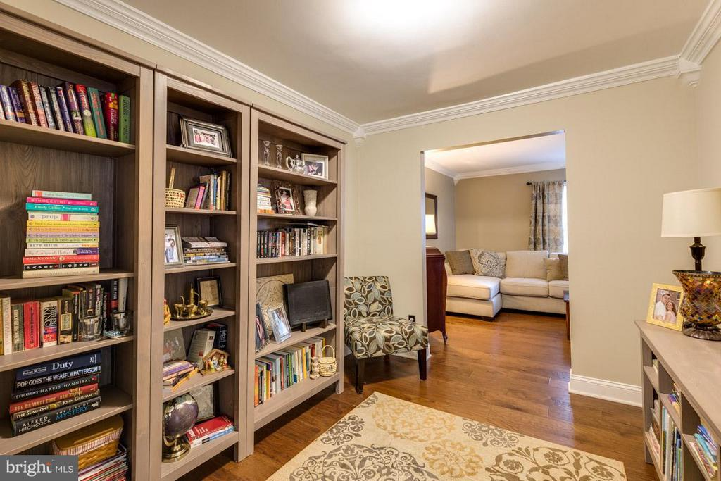 Dining Room can be used as library off living room - 11841 DUNLOP CT, RESTON