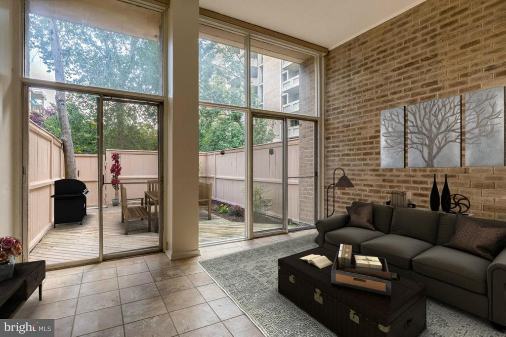 Living Room w/ high ceilings and lots of light - 292 M ST SW #292, WASHINGTON