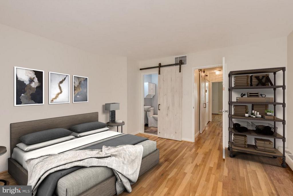 Owner's bedroom w/ sliding barn door to en-suite - 292 M ST SW #292, WASHINGTON