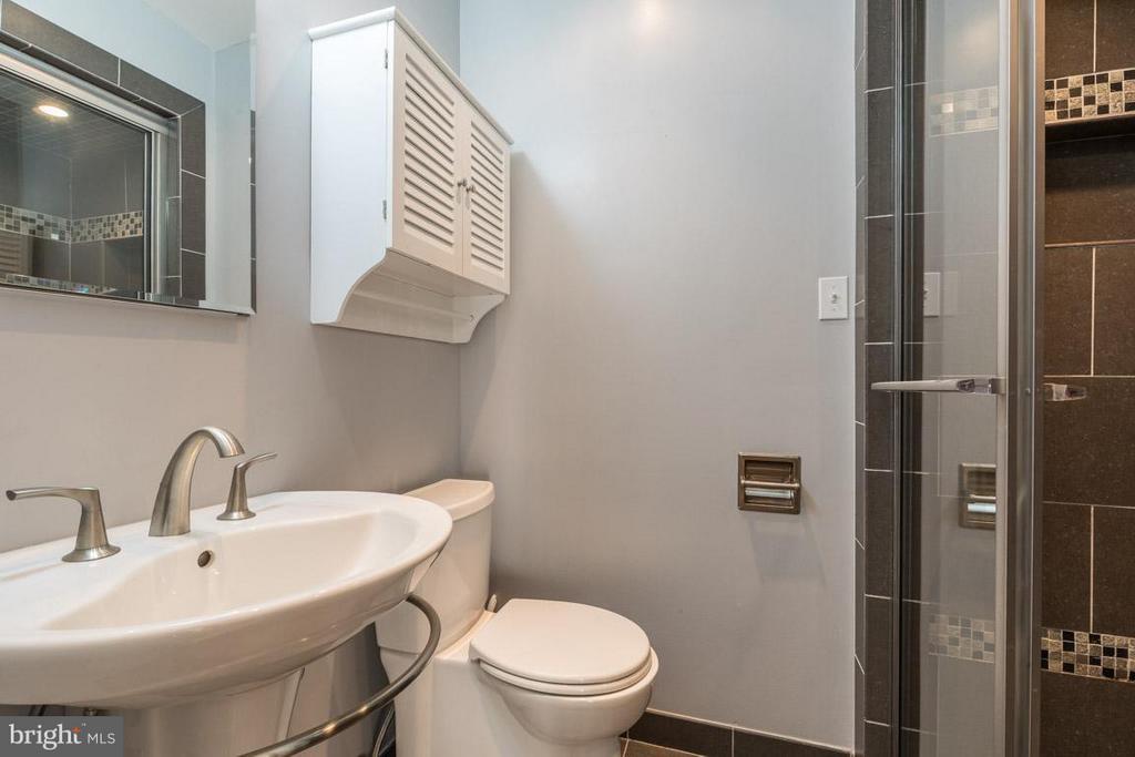 Completely renovated master bath - 292 M ST SW #292, WASHINGTON