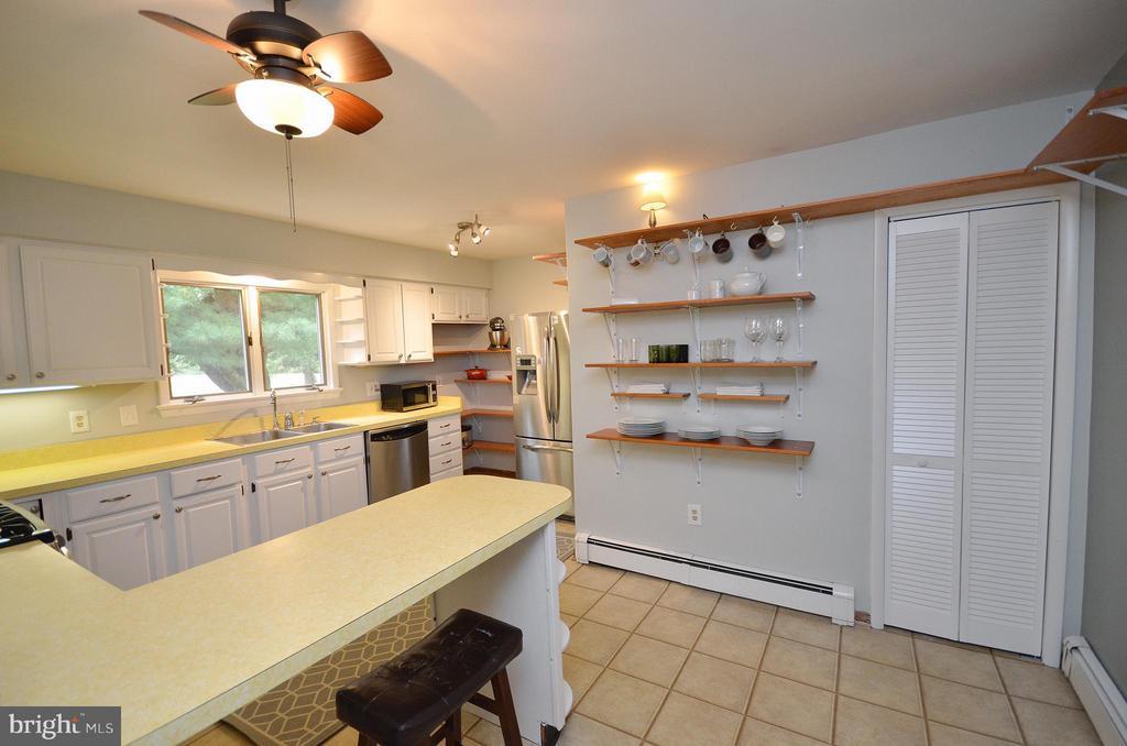 Kitchen - 410 NURSERY AVE, PURCELLVILLE