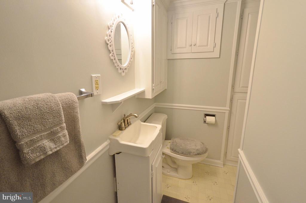 Master Bathroom - 410 NURSERY AVE, PURCELLVILLE