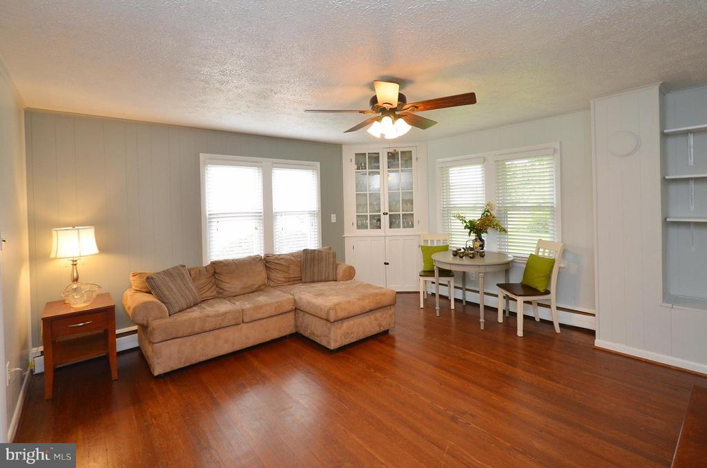 Family Room - 410 NURSERY AVE, PURCELLVILLE