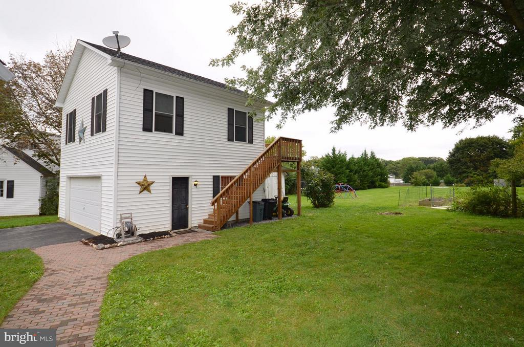 Carriage House - 2 Bedrooms, Bath and Family Room - 410 NURSERY AVE, PURCELLVILLE