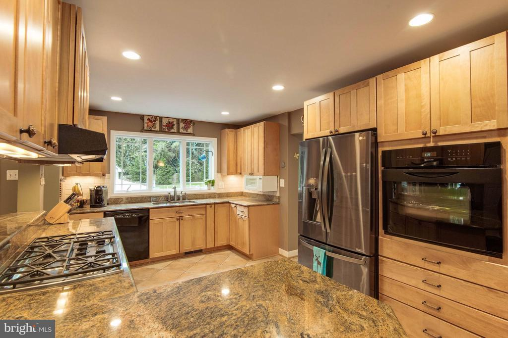 Kitchen - 4725 SPRUCE AVE, FAIRFAX