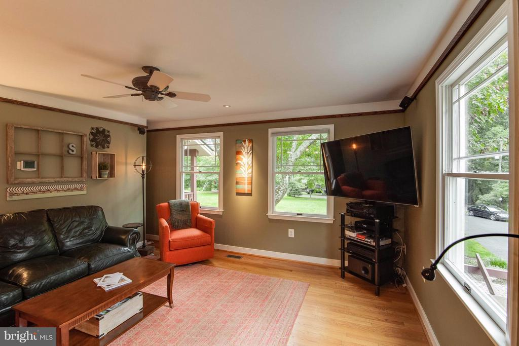 Family Room - 4725 SPRUCE AVE, FAIRFAX