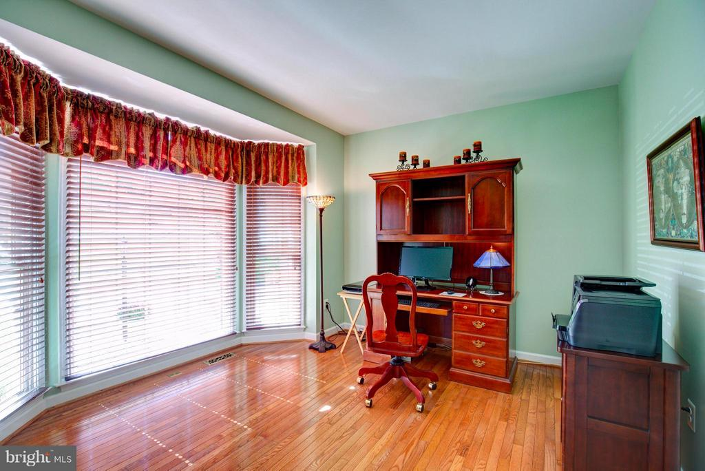 Office on Main level - 609 BEAUREGARD DR SE, LEESBURG