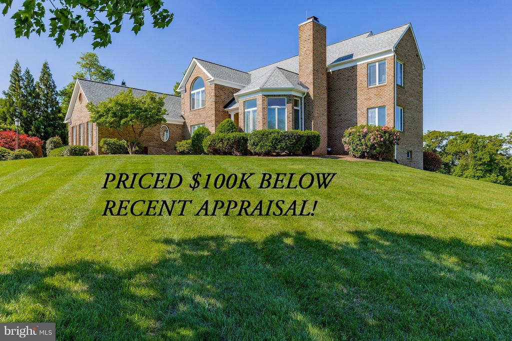 PRICED $100K BELOW RECENT APPRAISAL! - 40671 HANNAH DR, WATERFORD