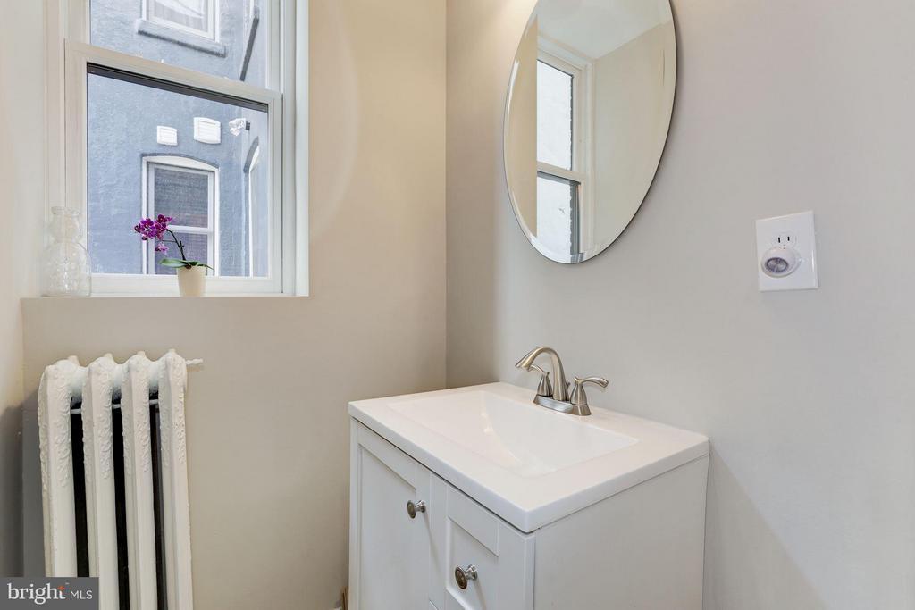 Owner's Unit Powder Room - 1105 P ST NW, WASHINGTON