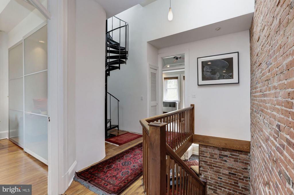 Owner's Unit Level 2 Interior - 1105 P ST NW, WASHINGTON