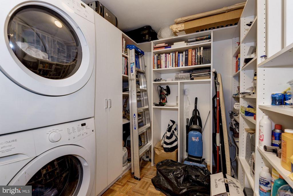 Large Walk-In Closet/Storage Space - 1749 Q ST NW #9, WASHINGTON