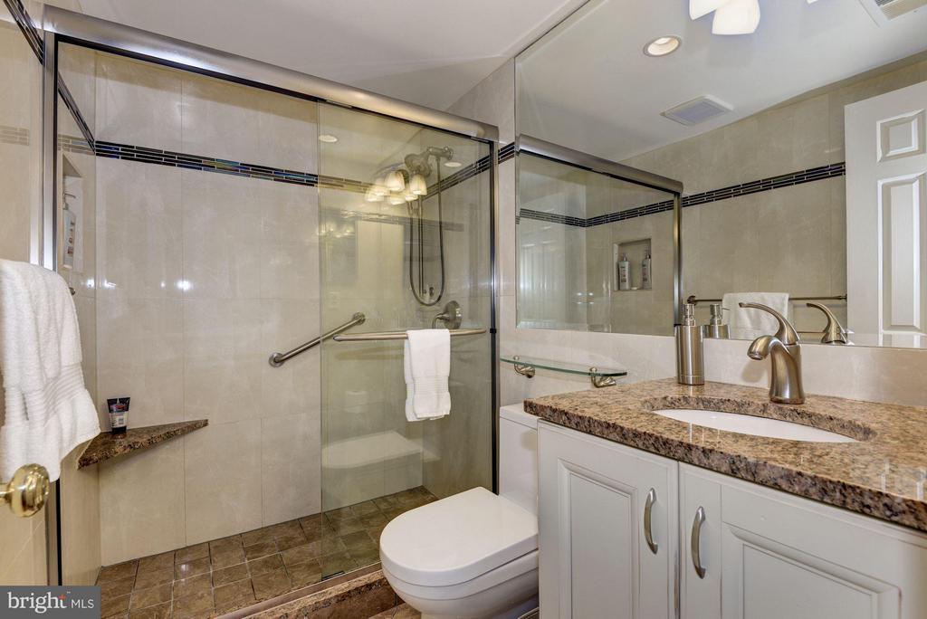 Bathroom - 1749 Q ST NW #9, WASHINGTON