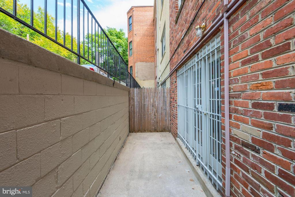Private Terrace - 1749 Q ST NW #9, WASHINGTON