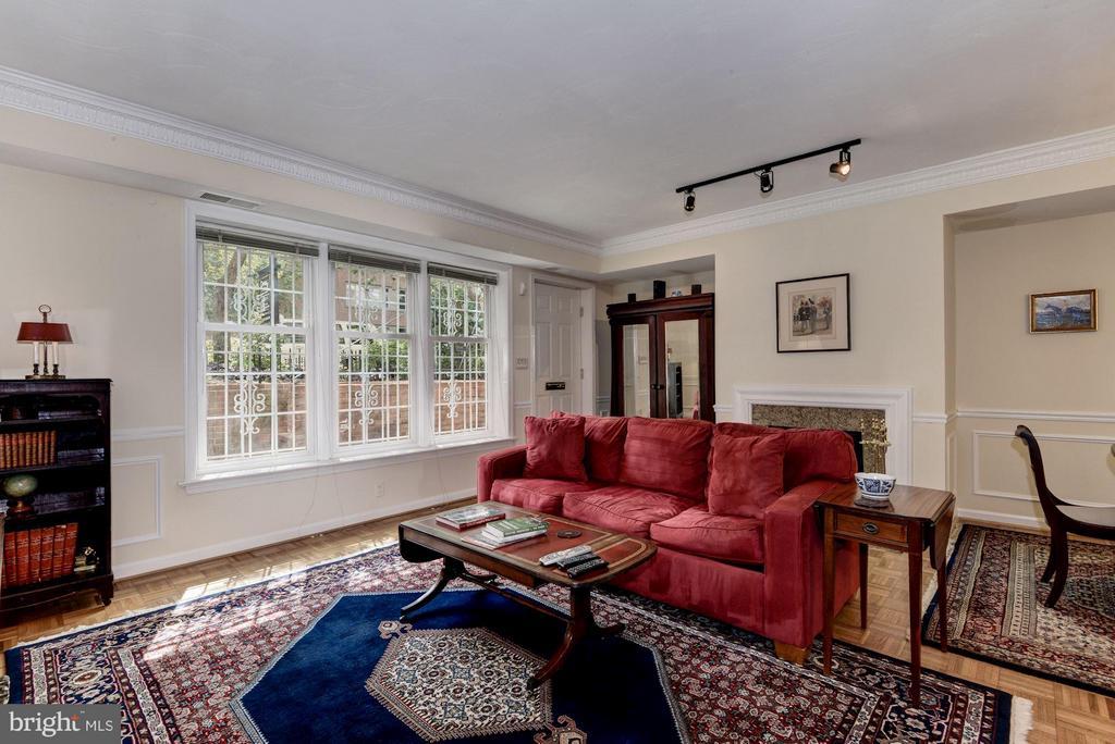 Living Room (1 of 4) - 1749 Q ST NW #9, WASHINGTON