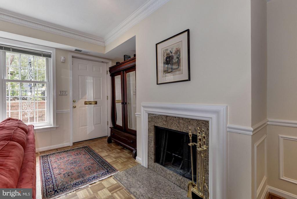 Living Room (4 of 4) - 1749 Q ST NW #9, WASHINGTON