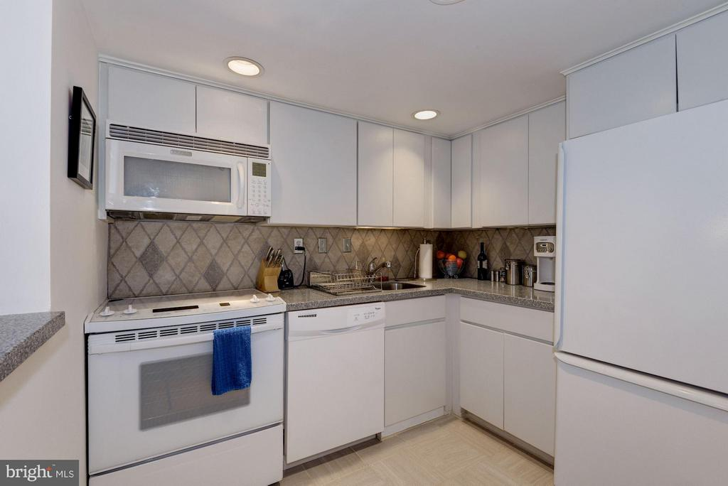 Kitchen (1 of 2) - 1749 Q ST NW #9, WASHINGTON