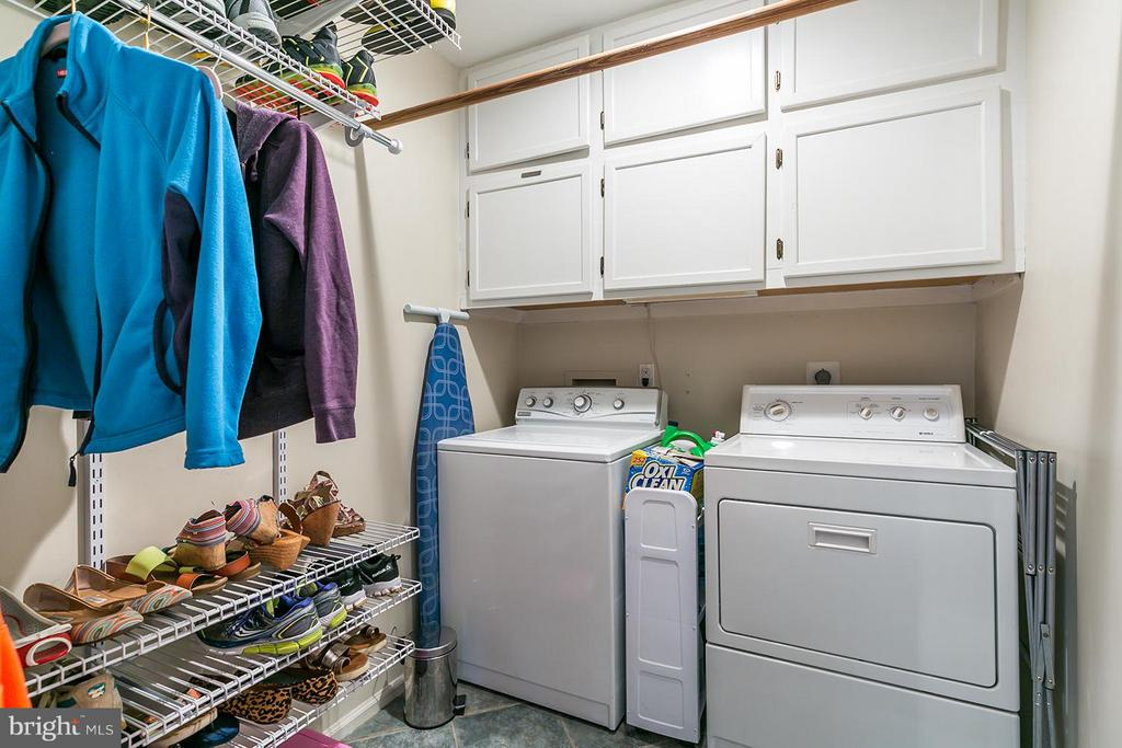 Laundry room/mud room leads to garage. - 12396 ROCK RIDGE RD, HERNDON