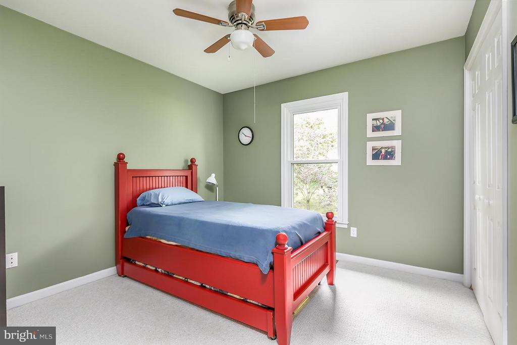 Second of three extra bedrooms. - 12396 ROCK RIDGE RD, HERNDON