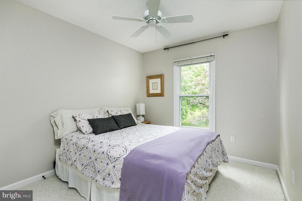 Extra bedrooms. One of three! - 12396 ROCK RIDGE RD, HERNDON