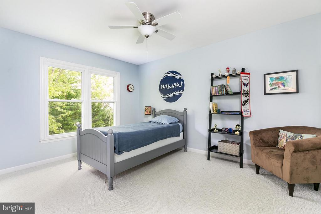 Extra bedroom 3 of 3. All with fan and closet. - 12396 ROCK RIDGE RD, HERNDON