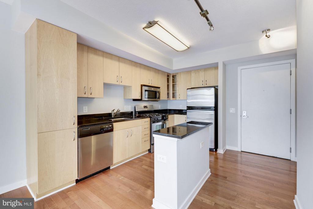 Kitchen (1 of 3) - 475 K ST NW #711, WASHINGTON
