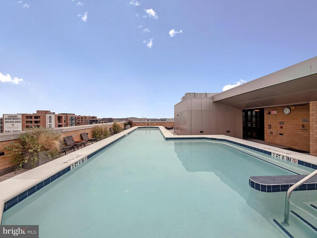Rooftop Pool - 475 K ST NW #711, WASHINGTON
