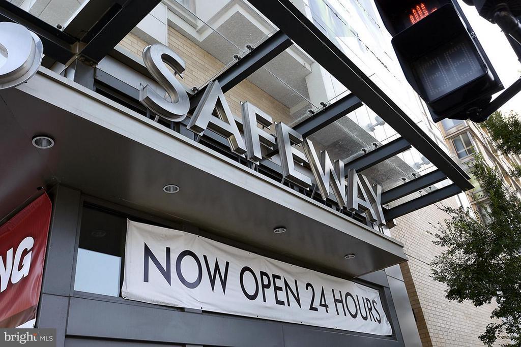 Gourmet Safeway - just downstairs! - 475 K ST NW #711, WASHINGTON
