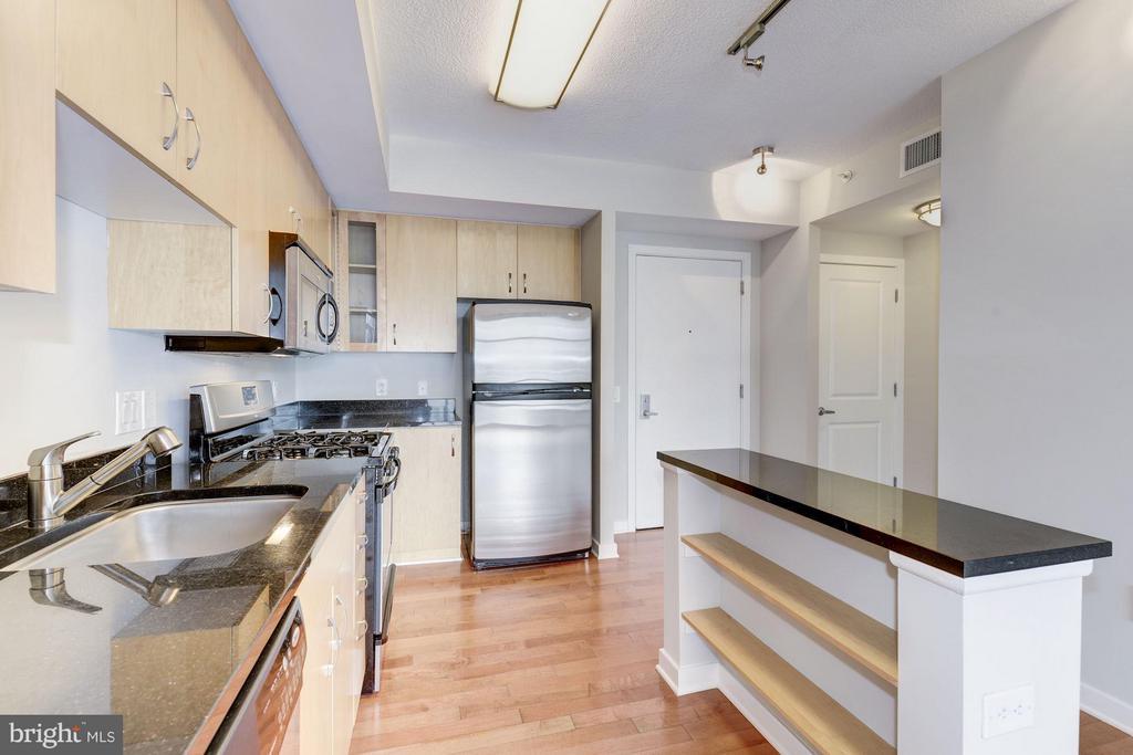 Kitchen (3 of 3) - 475 K ST NW #711, WASHINGTON