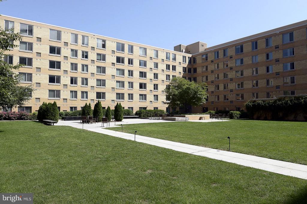 Vista Green - CityVista's Exclusive 1-acre private - 475 K ST NW #711, WASHINGTON