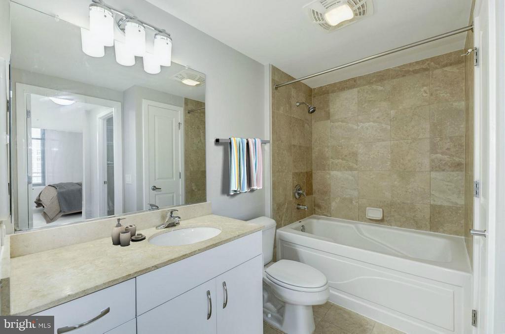 Bathroom - 475 K ST NW #711, WASHINGTON