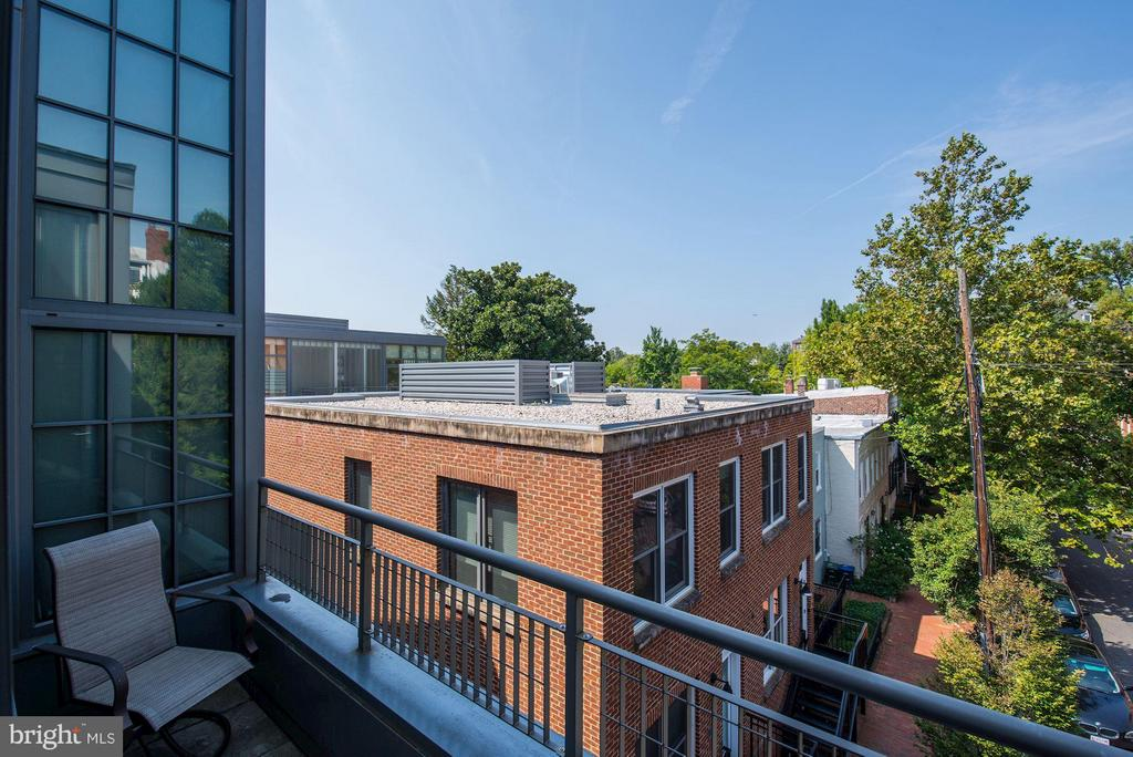 Private Balcony - 2516 Q ST NW #Q301, WASHINGTON