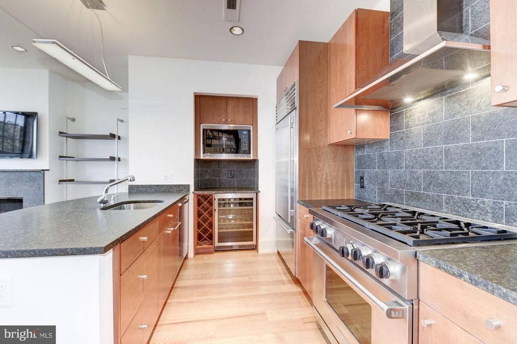 Kitchen (2 of 3) - 2516 Q ST NW #Q301, WASHINGTON
