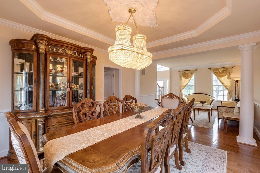 From dining room to living room - 22728 DULLES GAP CT, ASHBURN
