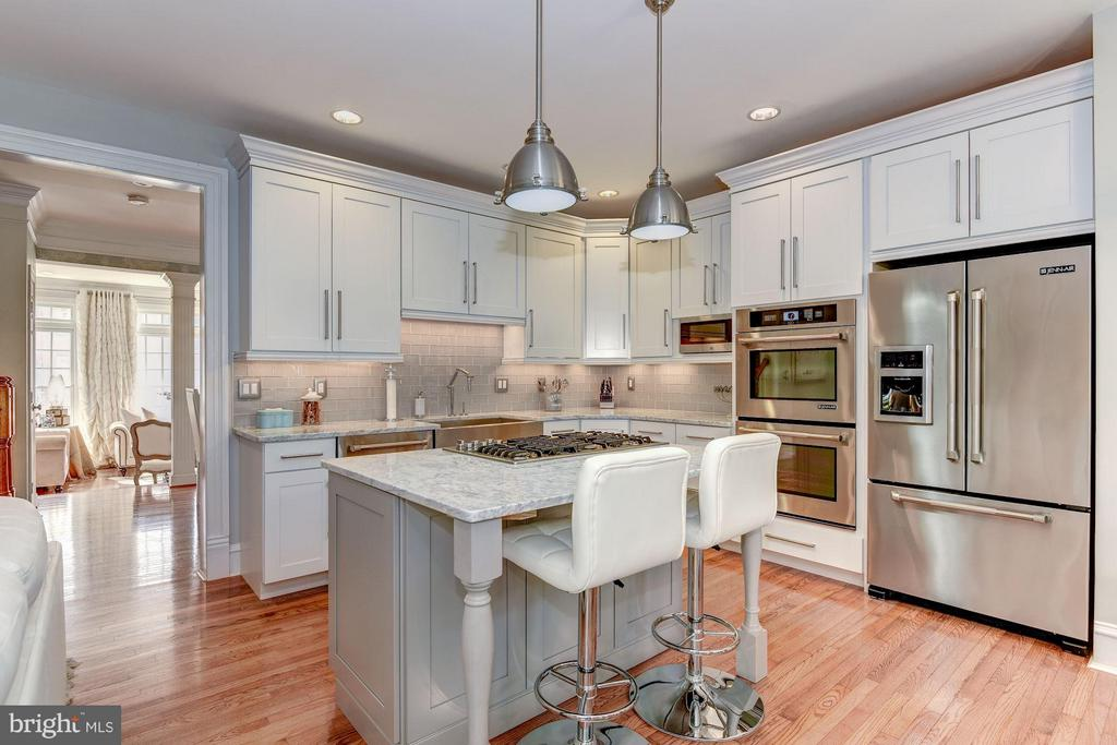KITCHEN - STAINLESS STEEL JENN AIR APPLIANCES! - 8022 KIDWELL TOWN CT, VIENNA