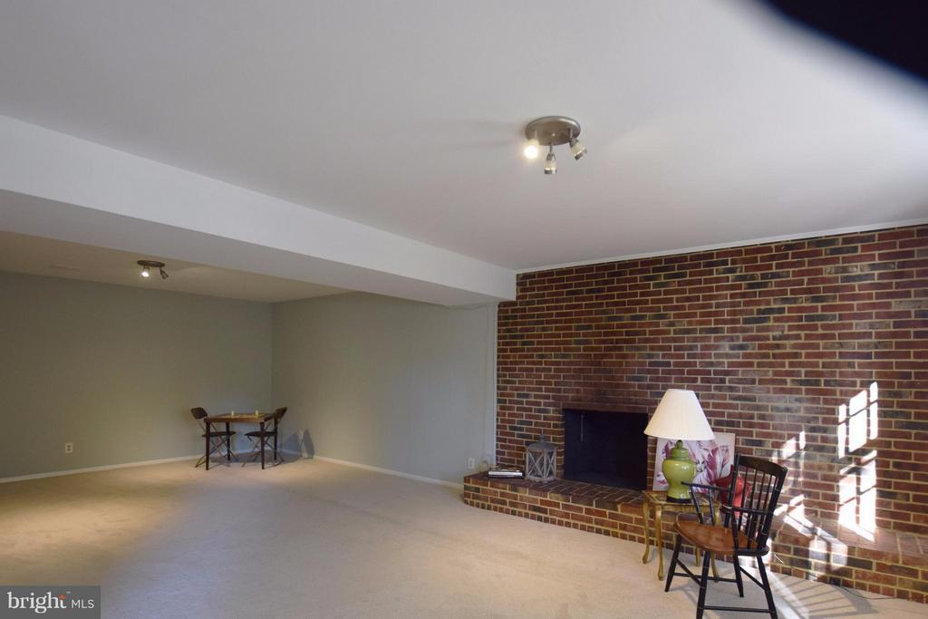 Another view of very large recreation room - 5216 PORTSMOUTH RD, FAIRFAX