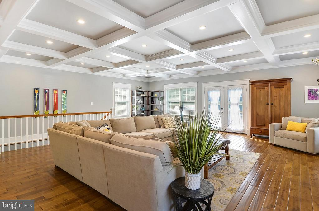 Light filled Living Room with coffered ceilings - 5656 5TH ST N, ARLINGTON
