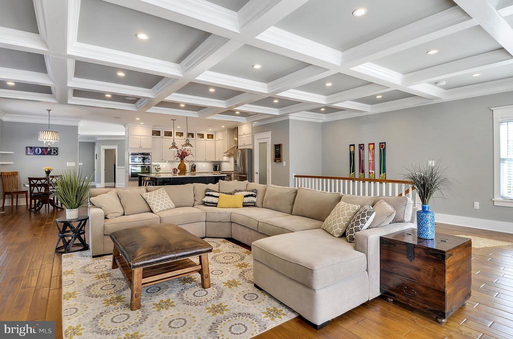 Gorgeous open floor plan - 5656 5TH ST N, ARLINGTON