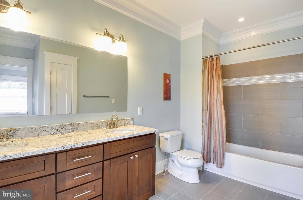 Double vanity in Guest Bath - 5656 5TH ST N, ARLINGTON
