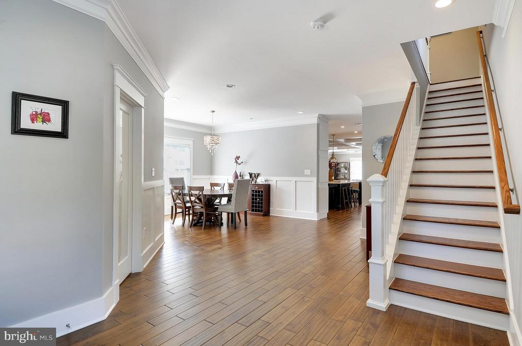 Walk in and enjoy the light filled open floor plan - 5656 5TH ST N, ARLINGTON