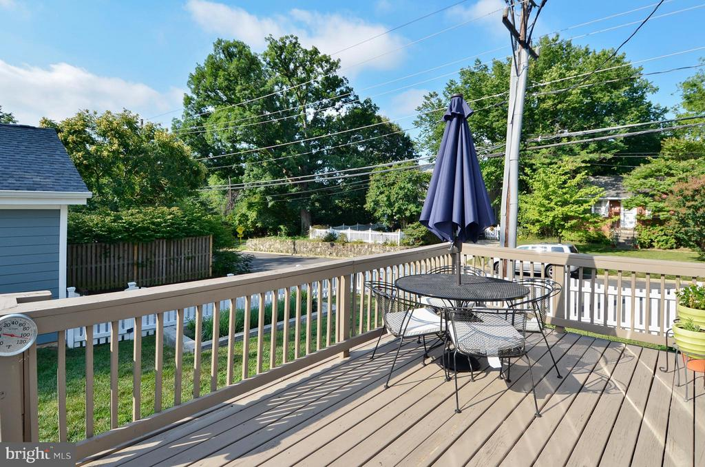 Wonderful back deck right of kitchen - 5656 5TH ST N, ARLINGTON