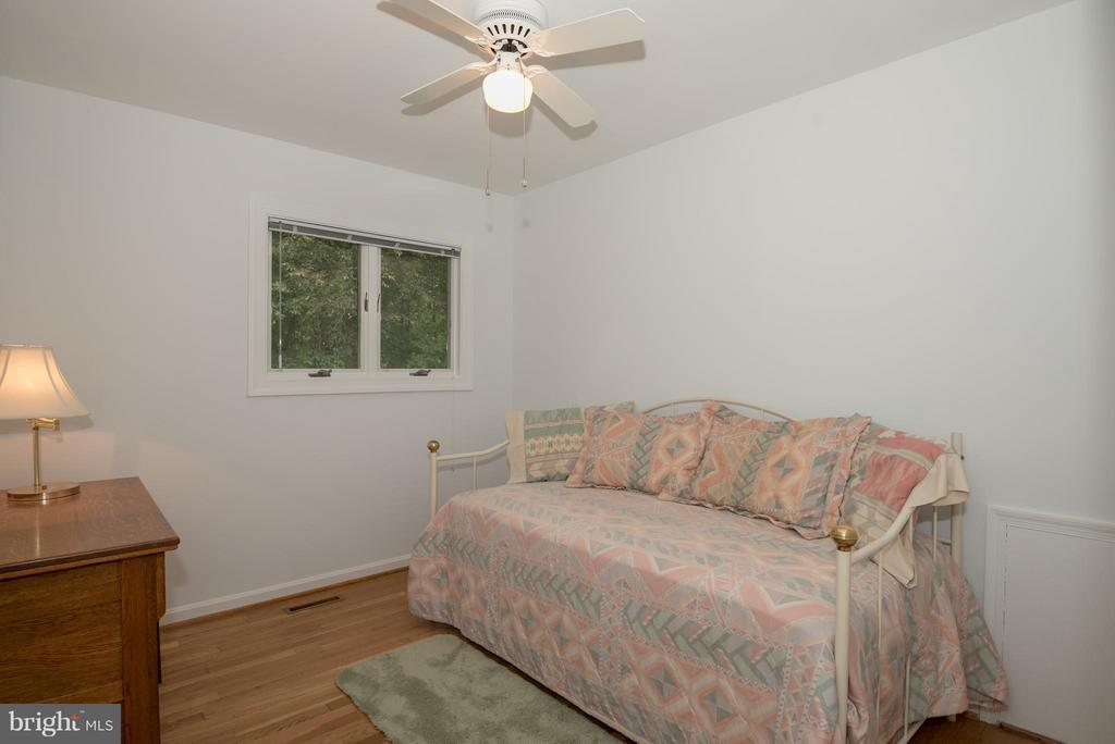 Bedroom - 9606 JOMAR DR, FAIRFAX