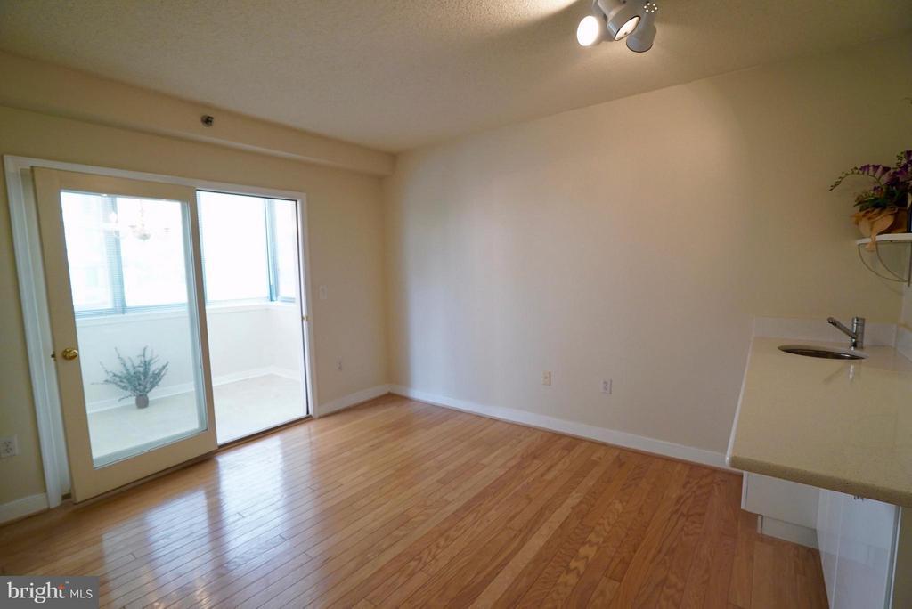 Living Room - 1045 UTAH ST #2-304, ARLINGTON