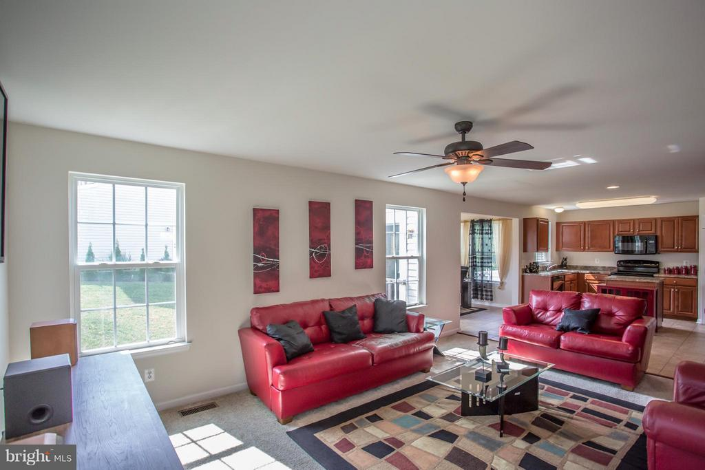 Living Room/ Open Concept - 161 KING EDWARD CT, CULPEPER