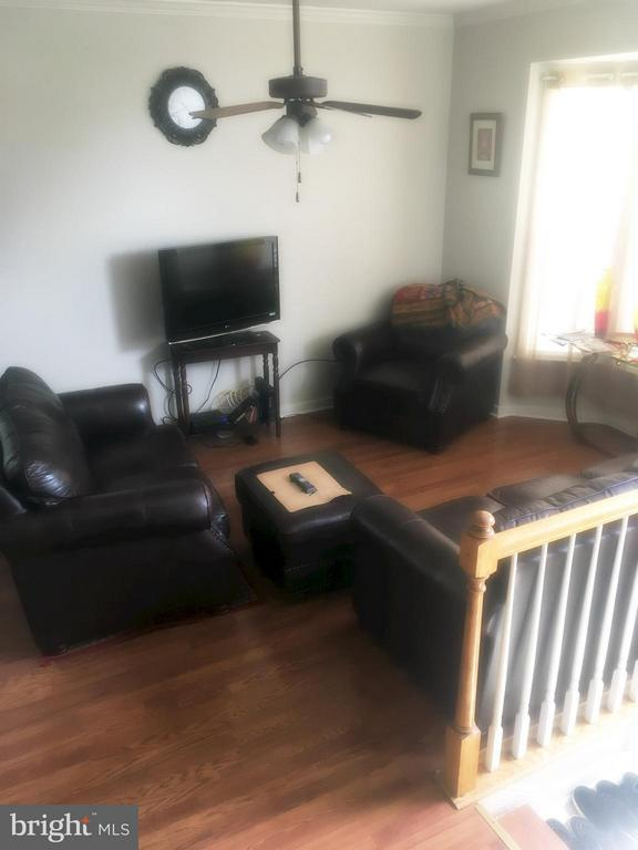 Living Room - 700 HATCHERS RUN CT, STAFFORD