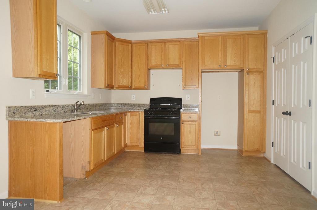 Kitchen - 844 FAIRVIEW VILLAGE #14, CULPEPER