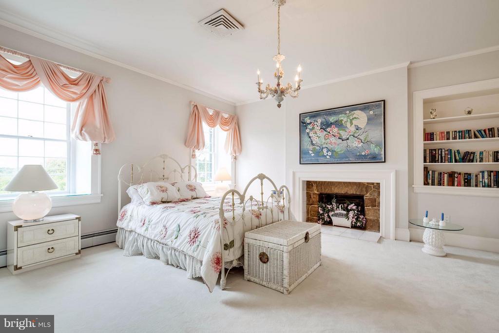 Upper Bedroom 3 - 7570 FALKLAND DR, GAINESVILLE